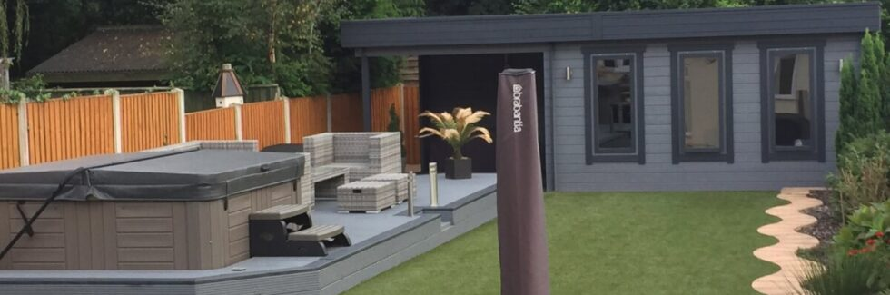 Timmerstuga Jacob E med veranda 12m² / 44mm / 7 x 3 m